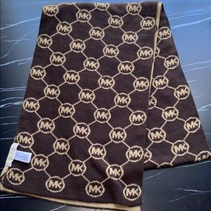 Michael Kors reversible scarf